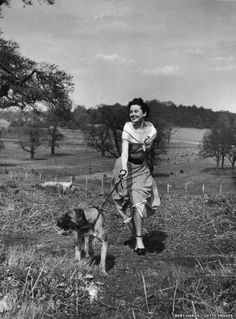 Unpublished photograph of Audrey Hepburn in Richmond Park by Bert Hardy, 30 April 1950 ©Bert Hardy/Getty Images
