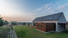 kropka studio, kuba kowalczyk · House in the landscape