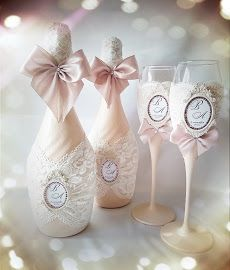 Diy box wedding 33 Ideas for 2019 Wedding Champagne Flutes, Wedding Bottles, Wedding Glasses, Champagne Glasses, Wine Bottle Crafts, Bottle Art, Handmade Decorations, Wedding Decorations, Decorated Wine Glasses