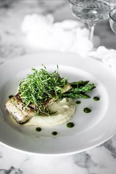 Barramundi Fillet, Fennel, Potato Puree, Asparagus & Salsa Verde - Temptation For Food - Tracy Rezepteneue Fish Dishes, Seafood Dishes, Fish And Seafood, Seafood Stew, Fish Recipes, Seafood Recipes, Cooking Recipes, Healthy Recipes, Fancy Recipes