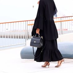 Muslim Dress, Hijab Dress, Hijab Outfit, Abaya Pattern, Modern Abaya, Abaya Designs, Modest Wear, Abaya Fashion, Womens Fashion