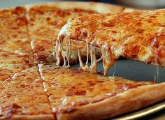 I love pizza. I could eat pizza every single day. My Favorite type of pizza is cheese or Hawaiian. I would eat Hawaiian more. It could be my breakfast, lunch and dinner. I mean who doesn't like pizza? Pizza Cool, I Love Pizza, Pizza Pizza, Pizza Cheese, Funny Pizza, Perfect Pizza, Perfect Food, Diet Pizza, Local Pizza