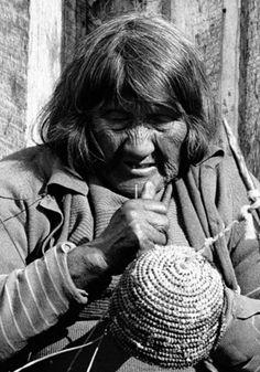 Lola Kiepja (1966) - Photo by Anne Chapman