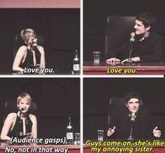 Josh Hutcherson Jennifer Lawrence } Catching Fire } The Hunger Games I love them hahaha   Read More Funny:    http://wdb.es/?utm_campaign=wdb.es&utm_medium=pinterest&utm_source=pinterst-description&utm_content=&utm_term=