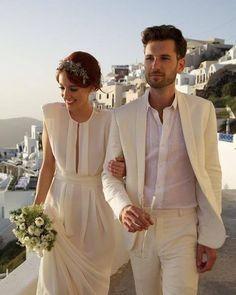Os dois lindões saindo de seu casamento na praia! Sonha em casar na praia? Passa lá no site: http://ift.tt/1V0CMn6  #noiva #bride #ceub #casaréumbarato #wedding #instawedding #casamento #buquê #flores #flower #buquêdenoiva #inspiração #instawedding #noivas #noiva #noiva2016 #noiva2017 #ido #instabride #picoftheday #bridesmaid #dreamwedding #bff #engaged #bridetobe #aoarlivre #beach #praia #casandonapraia #casamentonapraia
