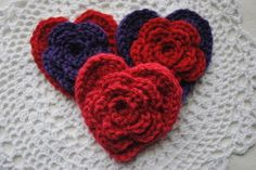 Free Valentine's Day Heart Crochet Pattern - Layered Daisy in a Heart