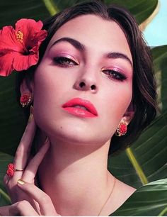 Dolce&Gabbana Spring 2017 Tropical Spring Collection – Beauty Trends and Latest Makeup Collections | Chic Profile