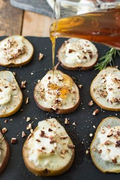 Baked Honey and Goat Cheese Pears Baked pears are filled with creamy, tangy goat cheese, topped with sweet honey, sprigs of fresh rosemary & pecans for an easy snack or elegant appetizer. - Baked Honey and Goat Cheese Pears Snacks Für Party, Easy Snacks, Healthy Snacks, Easy Meals, Healthy Recipes, Snacks For Wine, Healthy Nutrition, Healthy Eating, Paleo Diet