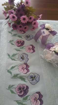 Kanaviçe | Cross Stitch Borders, Cross Stitch Flowers, Beaded Shoes, Linen Towels, Needle Lace, Bargello, Plastic Canvas, Knitting Designs, Bento