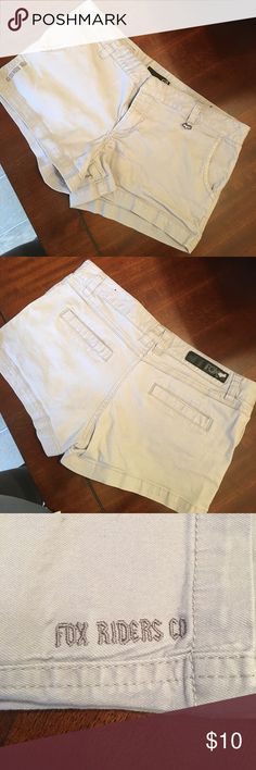 Light Gray Fox Shorts Women's Fox Shorts! Size 9 Fox Shorts