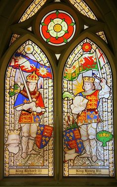 Stained glass window installed in St James Church, Sutton Cheney: The church was held by tradition to be where Richard III (left) had his last Mass before facing Henry VII (right) on the fields of Bosworth in 1485