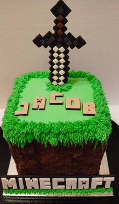 Minecraft Cake This is a Minecraft cake made out of buttercream and crushed cookies (dirt). Fondant sword and sign. Bolo Minecraft, Minecraft Birthday Cake, Minecraft Party, 5th Birthday Party Ideas, Kids Party Themes, Boy Birthday Parties, 7th Birthday, Fondant Cakes, Cupcake Cakes