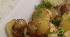 Uusista perunoista ei vaan saa tarpeekseen. Keitettyinä voin kanssa parasta toki, mutta voihan sitä vähän varioidakin. Esimerkiksi kik...
