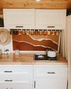 Bus Living, Tiny Living, Van Conversion Interior, Van Conversion Cabinets, Van Conversion Kitchen, Kombi Trailer, Camper Life, Bus Life, Kombi Home