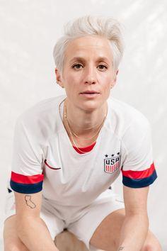 Girl Playing Soccer, Play Soccer, World Cup Teams, Fifa Women's World Cup, Female Soccer Players, Abby Wambach, Women's Football, Megan Rapinoe, World Cup Winners