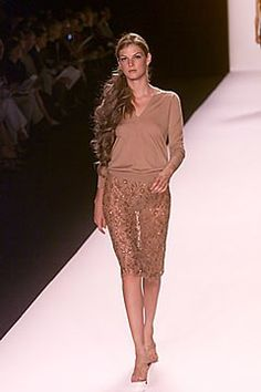 Michael Kors Collection Spring 2000 Ready-to-Wear Fashion Show - Angela Lindvall, Michael Kors Lace Skirt, Sequin Skirt, Michael Kors Collection, Ready To Wear, Fashion Show, Long Hair Styles, Spring, Skirts, Model