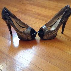 🌹Vegan snake skin peep toe pumps🌹 Vegan snake skin peep toe pumps 5.5 inch heel Shoes Heels