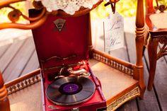 vintage decor, gramophone, wedding music, wicker furniture, граммофон, музыка, винтажная мебель, винтажный декор