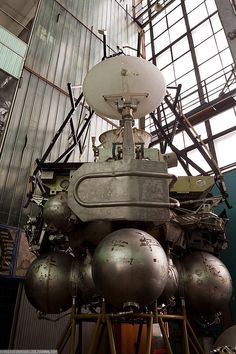inside old abandoned government labs | Forgotten, Aborted Soviet Moon-Lander | Impact Lab