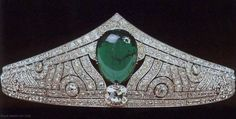 Part of the Luxembourg Royal Jewels: The Chaumet Emerald Tiara.