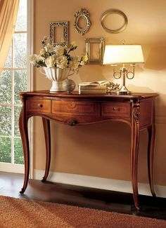 Pin on entries Pin on entries French Furniture, Luxury Furniture, Cool Furniture, Wooden Console, Console Table, Hallway Decorating, Entryway Decor, Corner Table Designs, Corner Table Living Room
