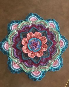 Crochet Motif Project Gallery for Mandala Madness - Crochet Mandala Pattern, Crochet Art, Crochet Round, Crochet Home, Crochet Crafts, Crochet Flowers, Crochet Projects, Double Crochet, Diy Crafts