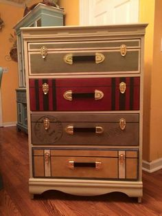 "Suitcase dresser- dresser drawers with faux painted ""suitcase"" fronts. Diy Home Decor Projects, Furniture Projects, Furniture Makeover, Diy Furniture, Dresser Furniture, Furniture Stores, Repurposed Furniture, Shabby Chic Furniture, Painted Furniture"