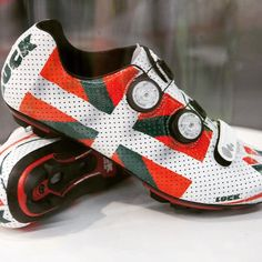 LUCK Cycling Shoes • Basque Country Custom INVICTUS model.  Totally custom-made (fitting System) / totally Custom-Design!