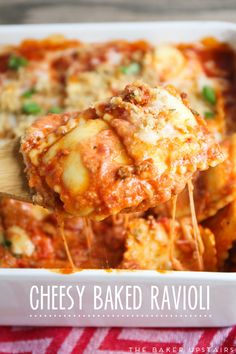 Cheesy baked ravioli - super quick and easy to make, and so delicious!