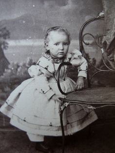 Precious Little GIRL in CIVIL WAR Era Hoop Dress old Cdv Photo c1960s