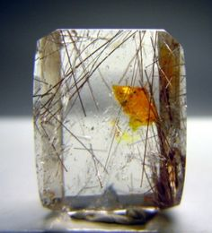 Quartz with Negative Carbonate Crystal with Petroleum and moving bubble. from Minas Gerais, Brazil