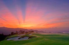 Jouez au Golf aux célèbres Mission Hills et ressentissez le charme du métropole de Hongkong.