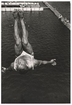 Aleksandár Rodchenko Russian Avant Garde, Modern Photographers, Moma, Photography Gallery, Art Photography, Museum Photography, Museum Of Modern Art, Aleksandr Rodchenko, First Photograph