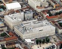 Werksverkauf Manner Wien  Wilhelminenstraße 6  A-1170 Wien    Tel.: +43 (0)1 488 22-3770    Öffnungszeiten  Mo.–Do.: 9–17 Uhr  Fr.: 9–14 Uhr