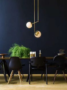 Minimalist Lighting And Globes - Design People Predict Biggest Trends - Photos Dining Room Paint Colors, Dining Room Design, Dining Room Table Centerpieces, Interior Architecture, Interior Design, Beautiful Home Designs, Interior Lighting, Office Lighting, Luxury Lighting
