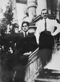 Tina Modotti. Vladimir Mayakovsky in Mexico.1925.  [::SemAp::]