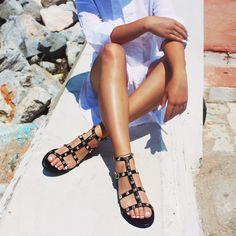 🅑🅛🅐🅒🅚  ᴡɪʟʟ ᴀʟᴡᴀʏs ʙᴇ  🅑🅛🅐🅒🅚! 🖤 Leather Sandals by papanikolaoushoes.gr 🖤 . . #papanikolaoushoes #leathershoes #leathersandals #flatsandals #ss21collection