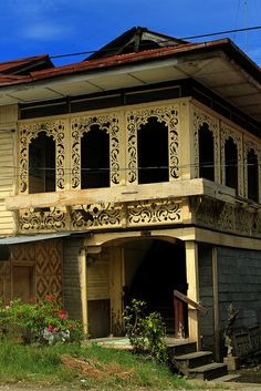 Ancestral House of Glan Town Filipino Architecture, Philippine Architecture, Tropical Architecture, Art And Architecture, Abandoned Houses, Old Houses, Filipino Interior Design, Spanish House Design, Filipino House
