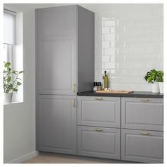 ikea sektion cabinets with bodbyn doors Kitchen Cabinets Brands, Ikea Cabinets, Kitchen Doors, New Kitchen, Kitchen Cupboard, Kraftmaid Kitchen Cabinets, Gray Cabinets, Awesome Kitchen, Kitchen Dishes
