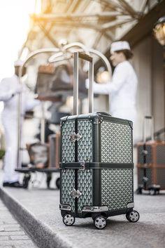 Maison Goyard for Peninsula Bespoke Travel Set. Peninsula Hotels are working with this esteemed Maison Goyard to enhance the timeless Goyard Luggage, Goyard Bag, Travel Luggage, Travel Bags, Goyard Handbags, Travel Set, Designer Luggage, Suitcase Bag, Work Bags