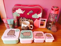 Ouuu Pusheen Pusheen Love, Pusheen Cat, Pusheen Stuff, Pokemon Fusion, Pusheen Stormy, Stationary School, Little Pony Party, Cute Cats And Dogs, Cute Japanese