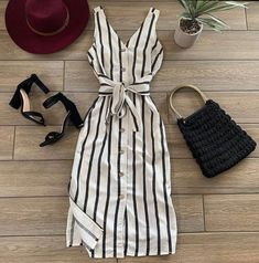 Girls Fashion Clothes, Teen Fashion Outfits, Edgy Outfits, Cute Casual Outfits, Look Fashion, Pretty Outfits, Fashion Photo, Casual Dresses, Girl Fashion