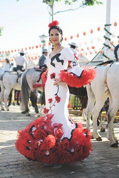 Flamenco Costume, Flamenco Skirt, Flamenco Dancers, Flamenco Dresses, Dance Dresses, Dance Costumes, Royal Dresses, Lovely Dresses, Ankara Skirt