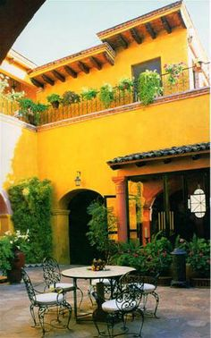 http://almostheavengifts.files.wordpress.com/2009/03/mexico-courtyard025-small_edited.jpg