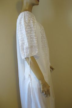 Hand embroidered Romanian blouse / dress - white silk hand embroidery - size M Blouse Dress, White Silk, Hand Embroidery, White Dress, Dresses, Fashion, Vestidos, Moda, Fashion Styles