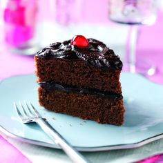 This impressive-looking #cake is surprisingly simple to make and will delight your guests with its moistness and tangy frosting.