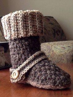 Kids and Women's Crochet Slipper Patterns  ✿⊱╮Teresa Restegui http://www.pinterest.com/teretegui/✿⊱╮
