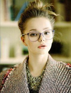 Et pourquoi pas de jolies lunettes de vue lilas ? http://www.misterspex.fr/lunettes-de-vue/?SiteSize=30=Relevance=1=13