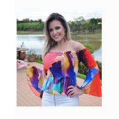 Nossa cliente @carolinalt, empresária da @glossloja, sabe mesmo como arrasar e escolheu uma daquelas blusas 'must have' da temporada! Amamos!!!😍😍😍#reginasalomao #SummerVibesRS #SS17