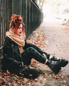 Check out these awesome 34 fashion looks for this season. Get cozy in style! Check out these awesome 34 fashion looks for this season. Get cozy in style! Grunge Outfits, Punk Outfits, Mode Outfits, Fall Outfits, Casual Outfits, Fashion Outfits, Fashion Tips, Fashion Trends, Outfit Winter